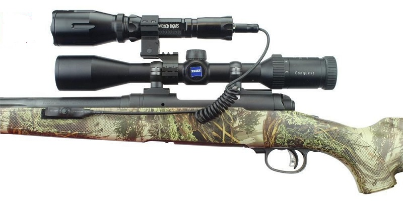best light to use night coyote hunting
